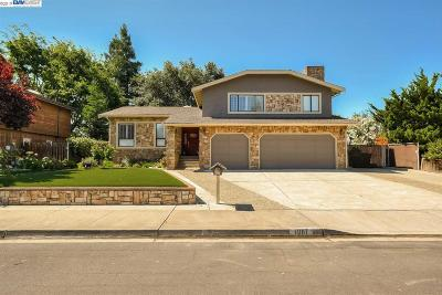 Livermore Single Family Home For Sale: 1067 Sherry Way