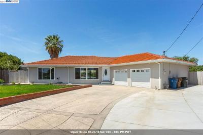 Antioch Single Family Home For Sale: 4 Stillwell Cir