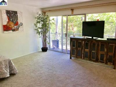 Alameda County Condo/Townhouse New: 425 Orange St #210