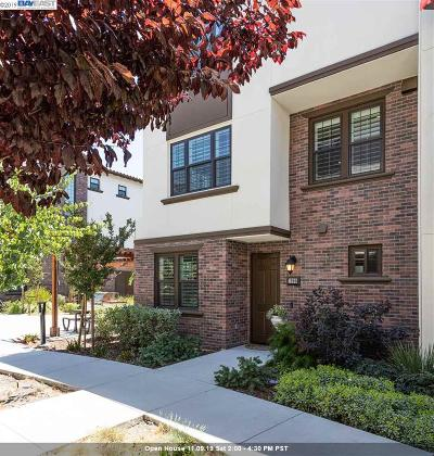 Pleasanton Condo/Townhouse For Sale: 1990 Taboada Ln