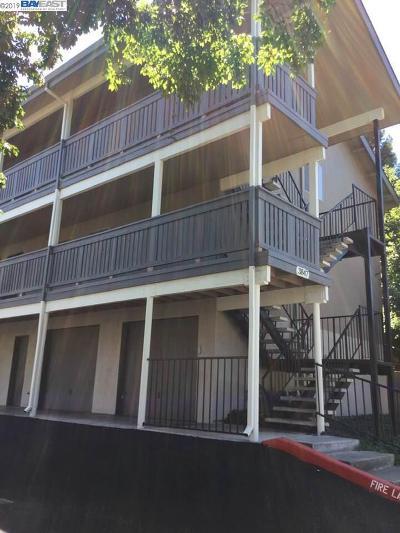 Pleasanton Condo/Townhouse For Sale: 3847 Vineyard Ave. #F