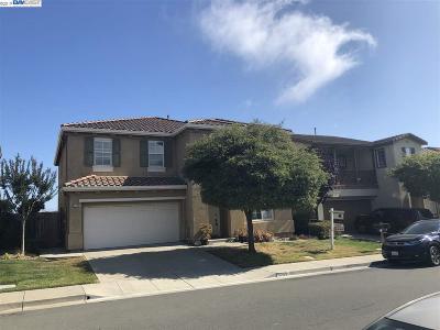 Richmond Single Family Home For Sale: 5749 Oakmont Dr