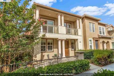 Hayward Condo/Townhouse For Sale: 154 Montevina Way