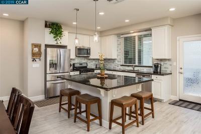 Martinez Condo/Townhouse For Sale: 313 Tierney Pl