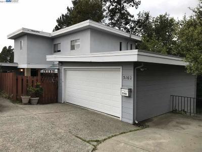 Oakland Multi Family Home For Sale: 3162 Burdeck Dr
