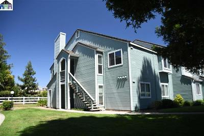 Antioch Condo/Townhouse For Sale: 2817 Winding Ln.