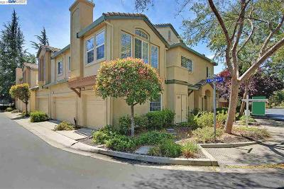 Pleasanton Condo/Townhouse For Sale: 4101 Cortina Ct