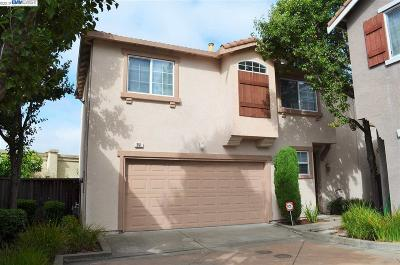 San Leandro Single Family Home For Sale: 251 Accolade Dr