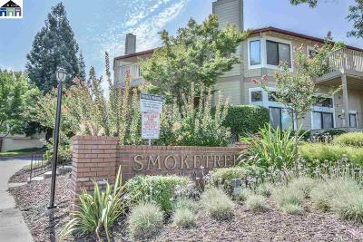 Pleasanton Condo/Townhouse For Sale: 3372 Smoketree Commons Dr