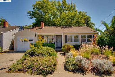 Castro Valley Single Family Home For Sale: 3011 Barlow Dr