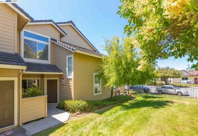 Fremont Condo/Townhouse For Sale: 5265 Fairbanks Cmn