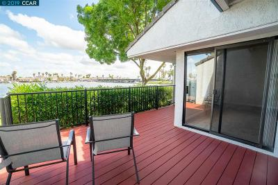 Discovery Bay Condo/Townhouse For Sale: 5759 Cutter Loop
