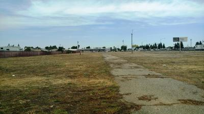 Manteca Commercial Lots & Land For Sale: 1901 E Yosemite Avenue