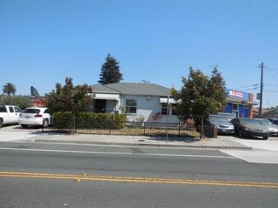 Alameda County, Contra Costa County, San Joaquin County, Stanislaus County Multi Family Home For Sale: 1441 Broadway Avenue