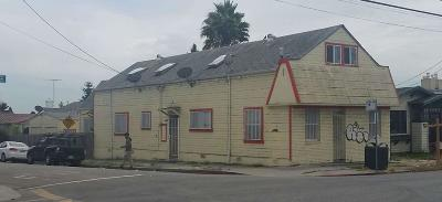 Oakland Multi Family Home For Sale: 3030 Coolidge Avenue
