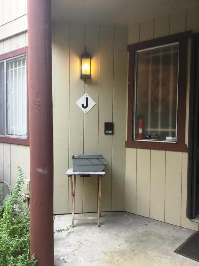 Hayward Condo/Townhouse For Sale: 20980 Birch Street #J