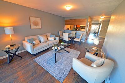 Hayward Condo/Townhouse For Sale: 260 Industrial Parkway #12