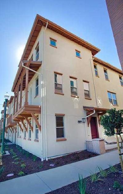 Alameda Condo/Townhouse For Sale: 2687 Fifth Street