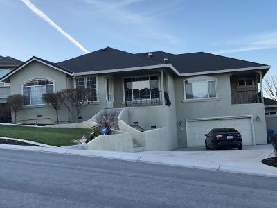 Single Family Home For Sale: 1179 Oak Creek Drive