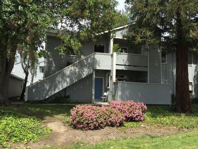 Fremont Condo/Townhouse For Sale: 37499 Parish Circle #14F