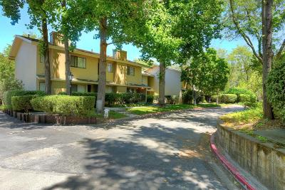 Walnut Creek Condo/Townhouse For Sale: 406 Westcliffe Circle
