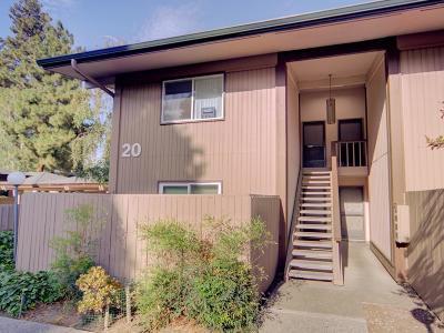 Santa Clara Condo/Townhouse For Sale: 121 Buckingham Drive #46
