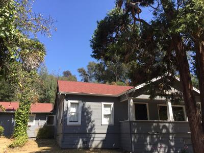 Oakland CA Single Family Home For Sale: $750,000