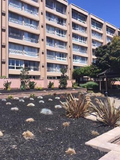 Santa Clara Condo/Townhouse For Sale: 1700 Civic Center Drive #410
