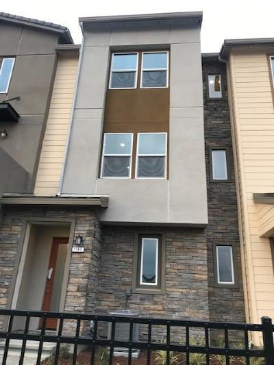 Milpitas Condo/Townhouse For Sale: 1160 California Circle