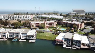San Mateo Condo/Townhouse For Sale: 465 Fathom Drive #108