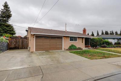 Hayward Single Family Home For Sale: 666 Bluefield Lane