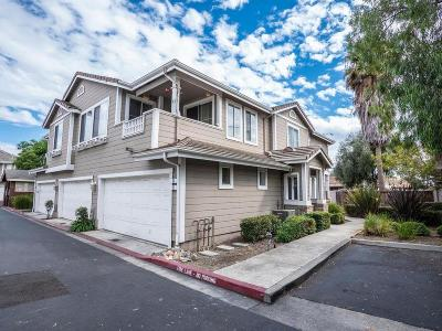 Milpitas Condo/Townhouse For Sale: 68 Glistening Court