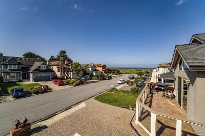 Half Moon Bay Single Family Home For Sale: 173 Miramontes Avenue