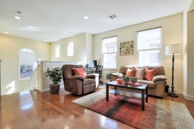 Fremont Condo/Townhouse For Sale: 48942 Lady Fern Common