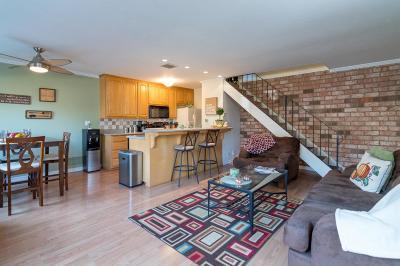 San Jose Condo/Townhouse For Sale: 5708 Calmor Avenue #2
