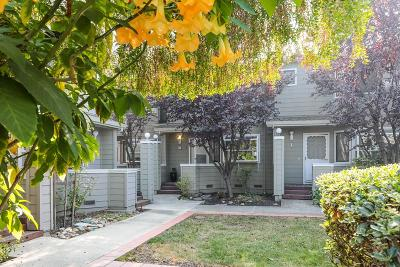 Mountain View Condo/Townhouse For Sale: 2071 Plymouth Street #K