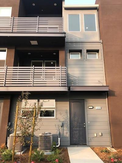 Milpitas Condo/Townhouse For Sale: 530 Clover Circle #Lot 70