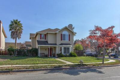 Single Family Home For Sale: 1623 Newport Court