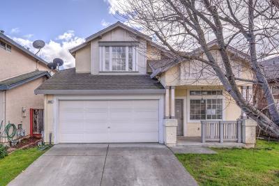 Gilroy Single Family Home For Sale: 840 Woodcreek Way