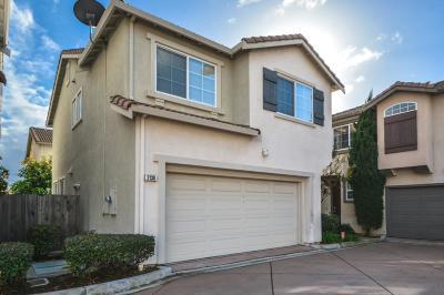 Santa Clara Single Family Home For Sale: 2138 Kingsbury Circle