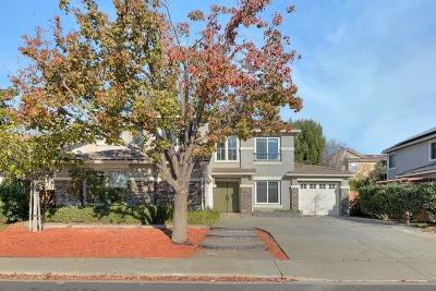 Union City Single Family Home Pending Show For Backups: 32722 Foxglove Way