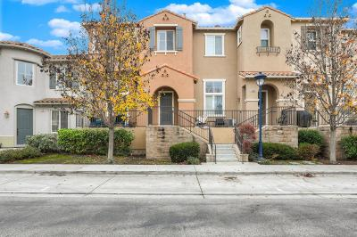 Santa Clara Condo/Townhouse For Sale: 4478 Moulin Place