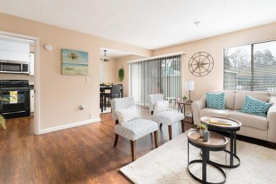 San Ramon Condo/Townhouse For Sale: 105 Compton Circle #C