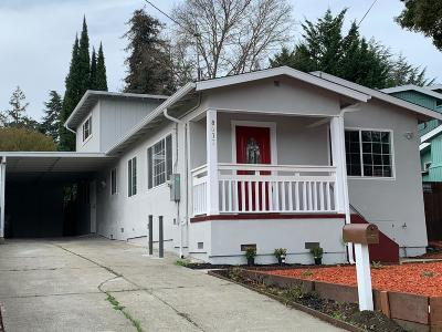 Oakland Single Family Home For Sale: 8017 Earl Street