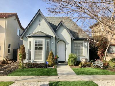 Single Family Home For Sale: 206 Rava Parkway