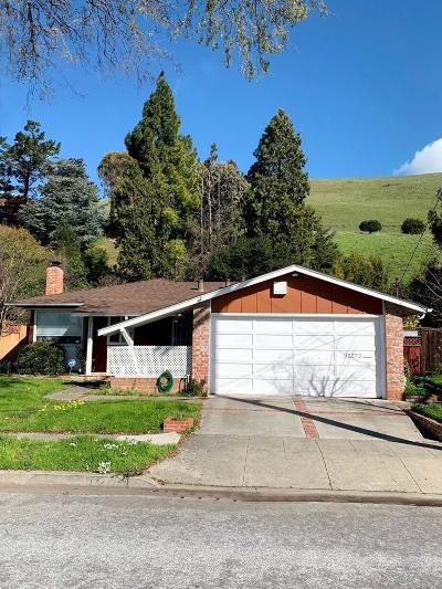 Hayward CA Single Family Home For Sale: $730,000