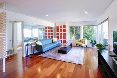 Oakland Condo/Townhouse For Sale: 8063 Greenridge Drive