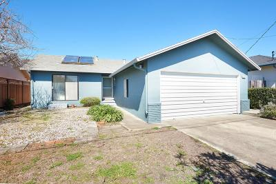 Half Moon Bay Single Family Home Pending Show For Backups: 417 Granelli Avenue