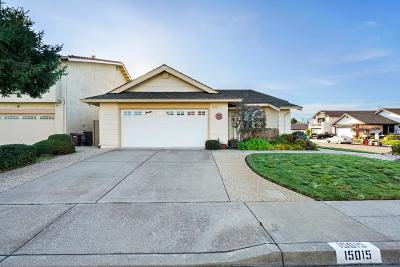 San Leandro Single Family Home For Sale: 15015 Zinnia Street