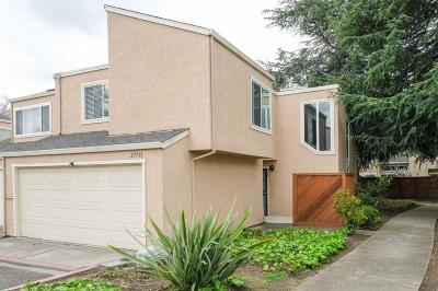 Hayward Condo/Townhouse For Sale: 27739 Pistachio Court